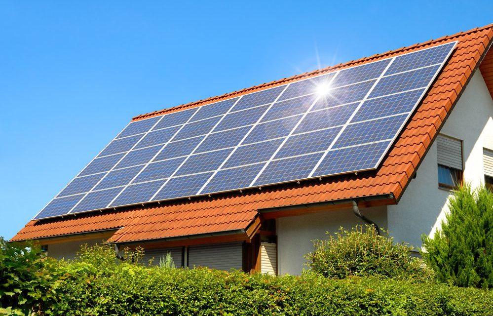 Painel solar instalado no telhado